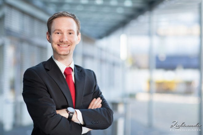 Fotograf Bonn, Business Portrait Bewerbungsfoto Draussen