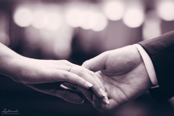 Hochzeitsfotografie Händde Trauring Hochzeit